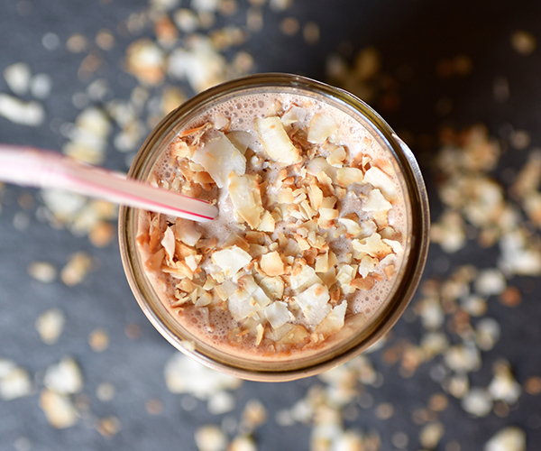 Chocolate-Caramel-Delight-Smoothie-roundup.jpg