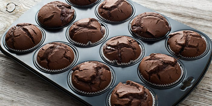 beachbody-blog-flourless-chocolate-muffin_iivlht